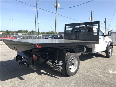 2018 Ram 5500 Regular Cab DRW 4x2,  Commercial Truck & Van Equipment CTVE Flat Bed Platform Body #JG103135 - photo 2