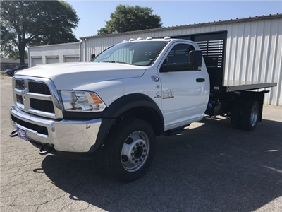 2018 Ram 5500 Regular Cab DRW 4x2,  Commercial Truck & Van Equipment CTVE Flat Bed Platform Body #JG103135 - photo 5