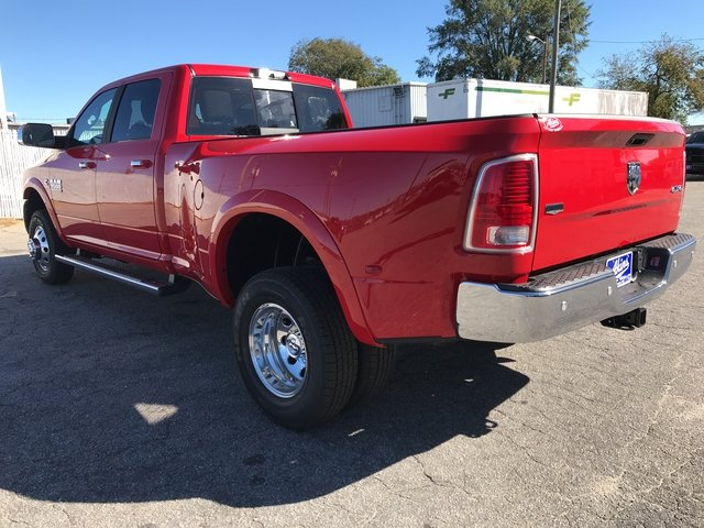2018 Ram 3500 Crew Cab DRW 4x4, Pickup #JG112652 - photo 4