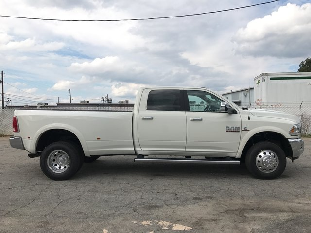 2018 Ram 3500 Crew Cab DRW 4x4 Pickup #JG112653 - photo 3
