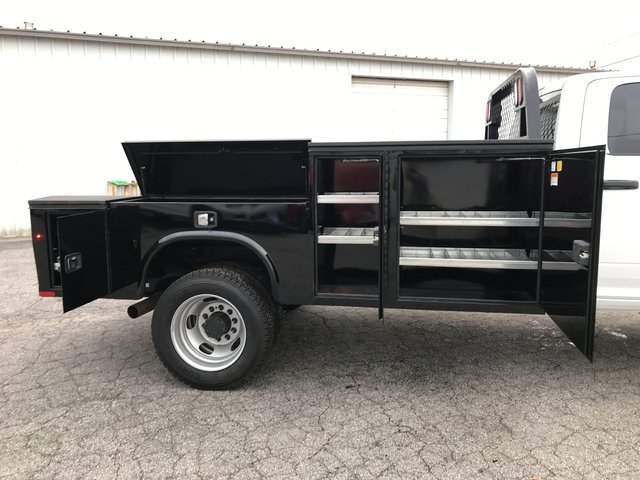 2018 Ram 5500 Crew Cab DRW 4x4, Knapheide Platform Body #JG145723 - photo 10