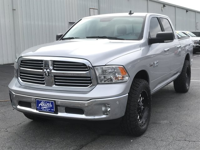2018 Ram 1500 Crew Cab 4x4, Pickup #JG171795 - photo 5