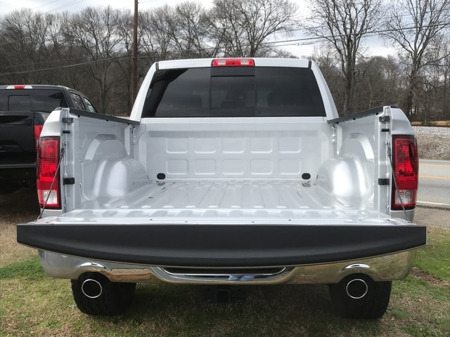 2018 Ram 1500 Crew Cab 4x4, Pickup #JG171795 - photo 10