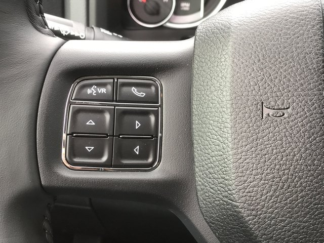 2018 Ram 1500 Crew Cab 4x4, Pickup #JG171795 - photo 20