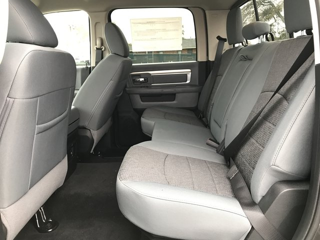 2018 Ram 1500 Crew Cab 4x4, Pickup #JG171797 - photo 11