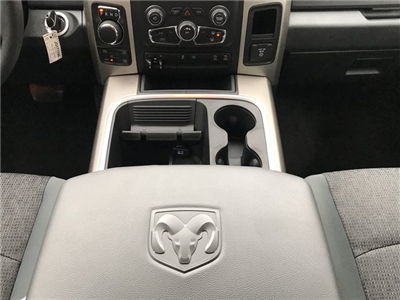 2018 Ram 1500 Crew Cab 4x4, Pickup #JG171799 - photo 16