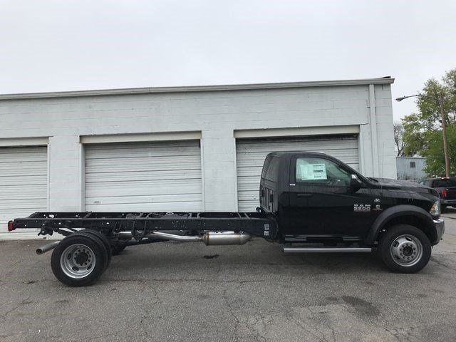 2018 Ram 5500 Regular Cab DRW, Cab Chassis #JG173280 - photo 3