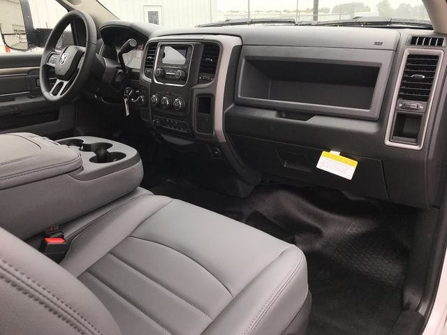 2018 Ram 5500 Regular Cab DRW 4x4, Platform Body #JG182281 - photo 11