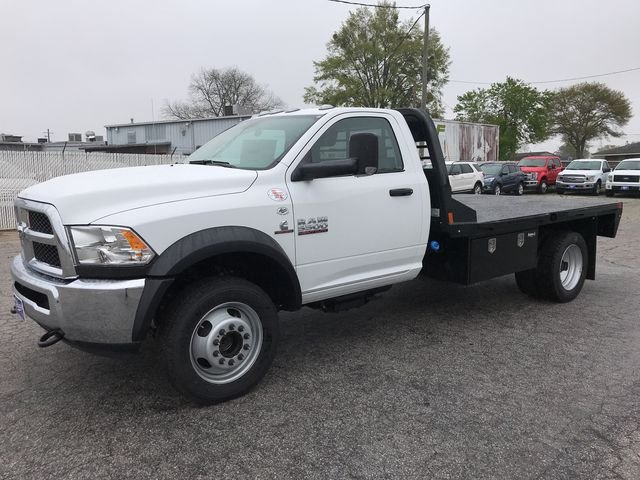 2018 Ram 5500 Regular Cab DRW 4x4, Platform Body #JG182281 - photo 4