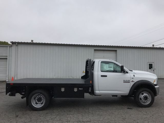 2018 Ram 5500 Regular Cab DRW 4x4, Platform Body #JG182281 - photo 21