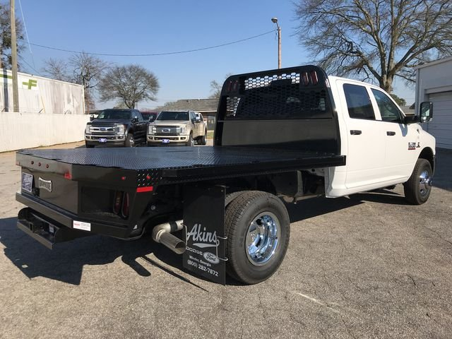 2018 Ram 3500 Crew Cab DRW 4x4,  Knapheide Platform Body #JG188553 - photo 2