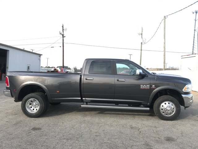 2018 Ram 3500 Crew Cab DRW 4x4 Pickup #JG201241 - photo 2