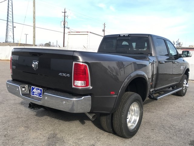 2018 Ram 3500 Crew Cab DRW 4x4 Pickup #JG201241 - photo 3