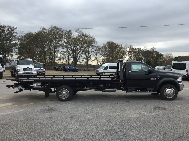 2018 Ram 5500 Regular Cab DRW 4x2,  Chevron Rollback Body #JG270523 - photo 3
