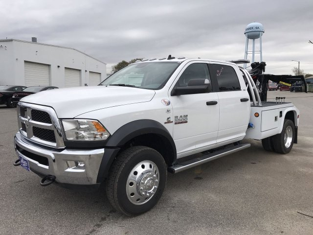2018 Ram 5500 Crew Cab DRW 4x2,  Chevron Wrecker Body #JG291432 - photo 3