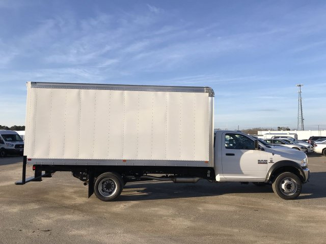 2018 Ram 5500 Regular Cab DRW 4x2,  Cab Chassis #JG317921 - photo 3
