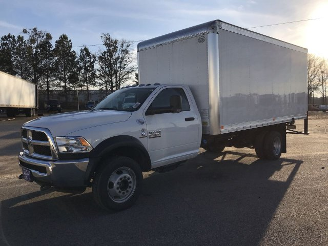 2018 Ram 5500 Regular Cab DRW 4x2,  Dry Freight #JG317921 - photo 3