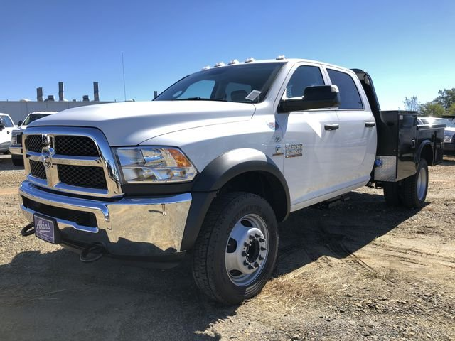2018 Ram 5500 Crew Cab DRW 4x4,  Knapheide Platform Body #JG329960 - photo 5