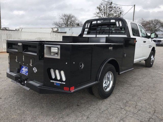 2018 Ram 3500 Crew Cab DRW 4x4,  CM Truck Beds Hauler Body #JG362610 - photo 2