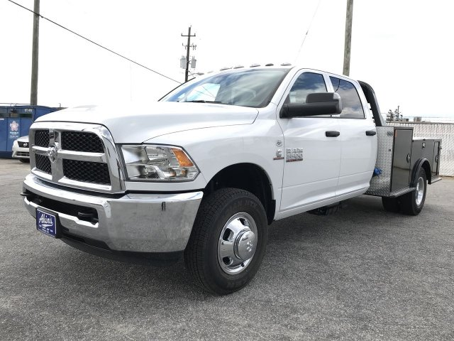 2018 Ram 3500 Crew Cab DRW 4x4,  CM Truck Beds Hauler Body #JG376759 - photo 5
