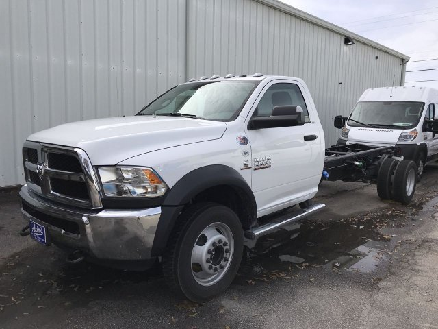 2018 Ram 5500 Regular Cab DRW 4x2,  Cab Chassis #JG383380 - photo 1