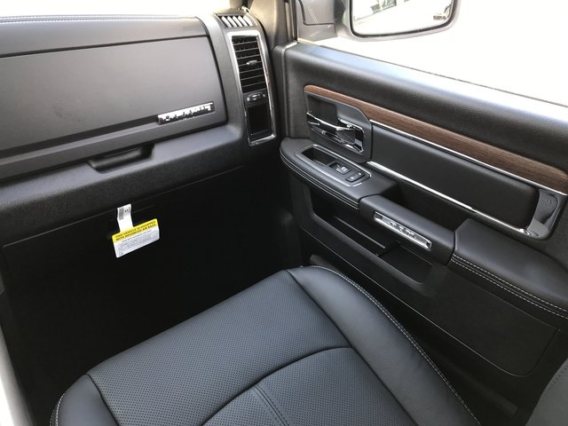 2018 Ram 1500 Crew Cab 4x4 Pickup #JS173322 - photo 14