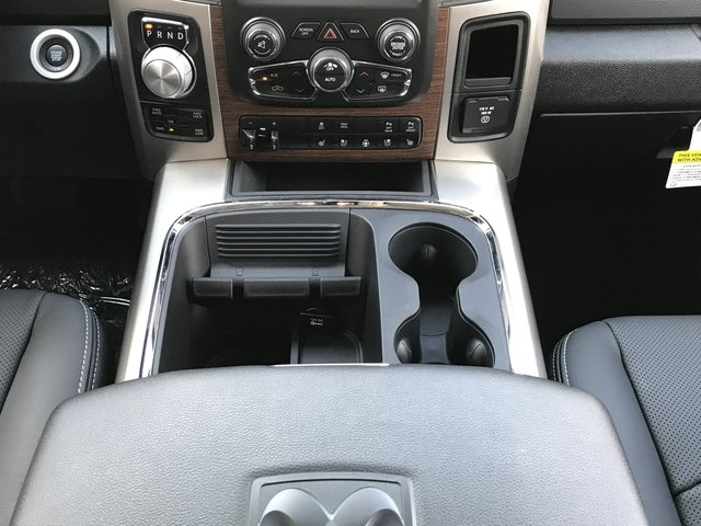 2018 Ram 1500 Crew Cab 4x4 Pickup #JS173322 - photo 16