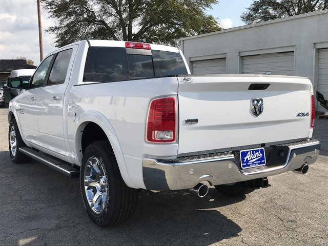 2018 Ram 1500 Crew Cab 4x4 Pickup #JS173322 - photo 4