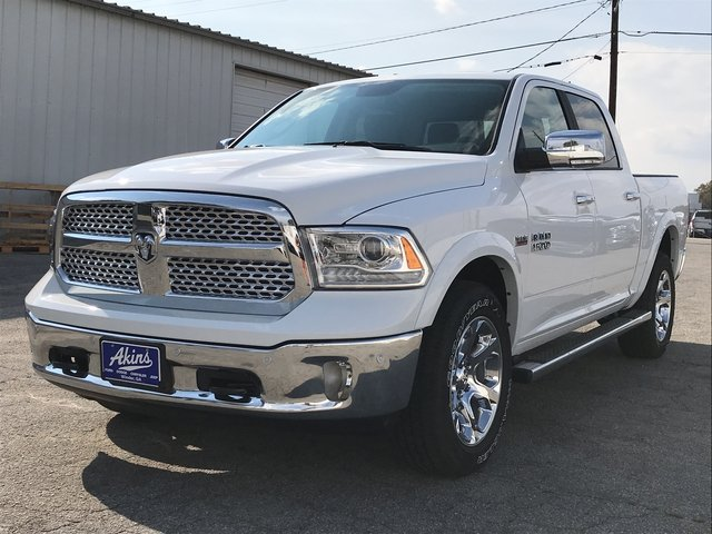 2018 Ram 1500 Crew Cab 4x4 Pickup #JS173322 - photo 5