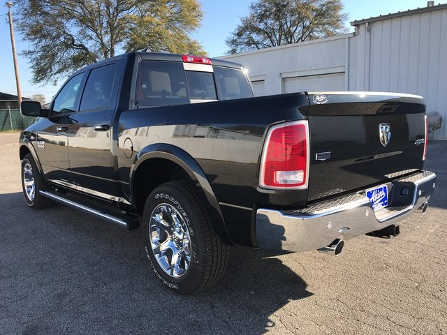 2018 Ram 1500 Crew Cab 4x4, Pickup #JS173326 - photo 4