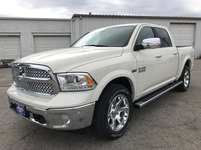 2018 Ram 1500 Crew Cab 4x4 Pickup #JS173327 - photo 5