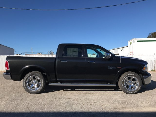 2018 Ram 1500 Crew Cab Pickup #JS174033 - photo 4