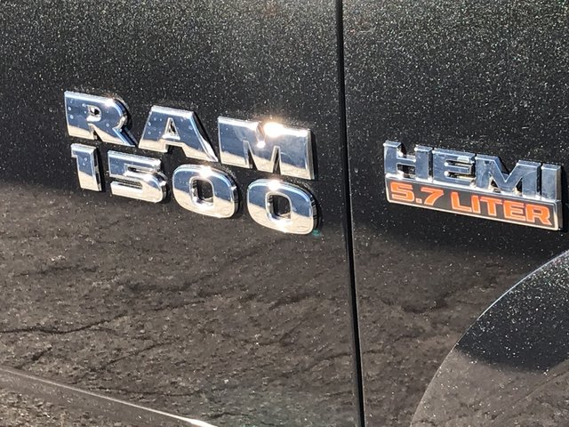 2018 Ram 1500 Crew Cab Pickup #JS174033 - photo 11