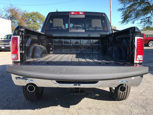 2018 Ram 1500 Crew Cab Pickup #JS174033 - photo 12