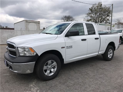2018 Ram 1500 Quad Cab 4x4,  Pickup #JS243610 - photo 5