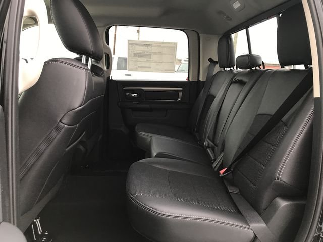 2018 Ram 1500 Crew Cab 4x4, Pickup #JS267782 - photo 11