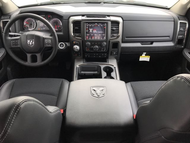 2018 Ram 1500 Crew Cab 4x4, Pickup #JS267782 - photo 12