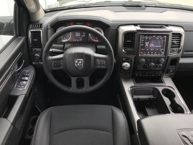 2018 Ram 1500 Crew Cab 4x4, Pickup #JS267782 - photo 13