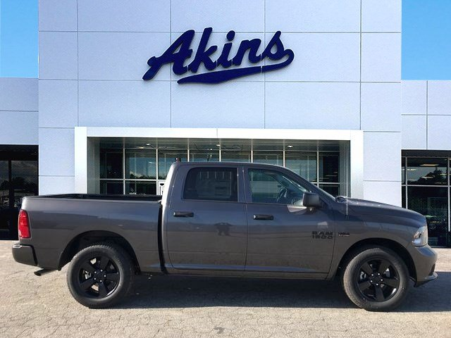 2018 Ram 1500 Crew Cab 4x2,  Pickup #JS285440 - photo 1