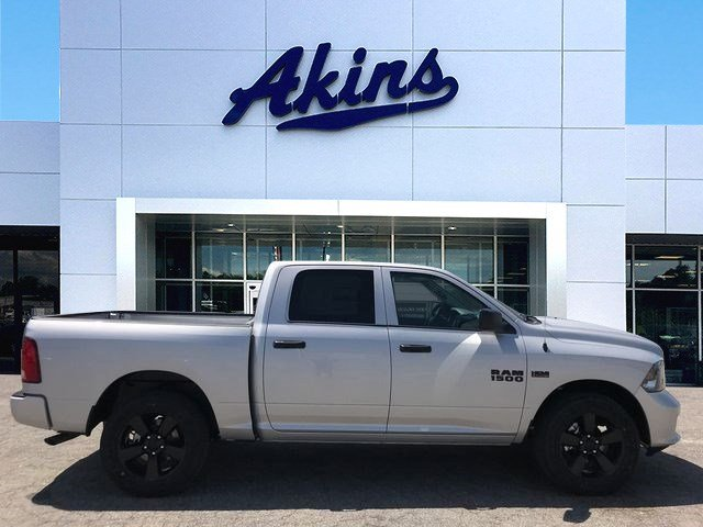2018 Ram 1500 Crew Cab 4x2,  Pickup #JS285441 - photo 1