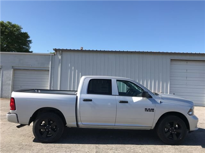2018 Ram 1500 Crew Cab 4x2,  Pickup #JS292848 - photo 3