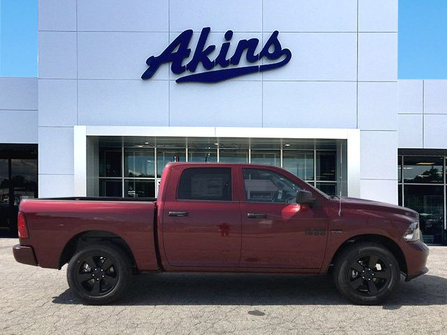 2018 Ram 1500 Crew Cab 4x2,  Pickup #JS350065 - photo 1