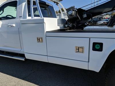 2019 Ram 5500 Regular Cab DRW 4x4, Miller Industries Chevron Wrecker Body #KG646580 - photo 10