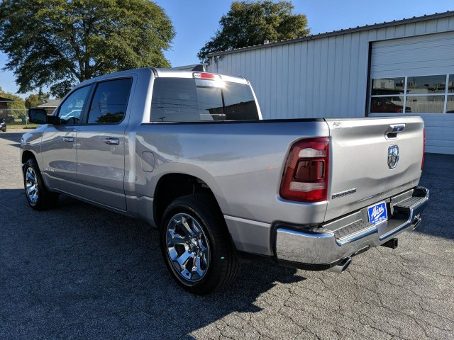 2019 Ram 1500 Crew Cab 4x2,  Pickup #KN527225 - photo 4