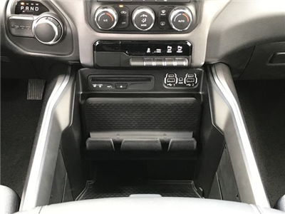 2019 Ram 1500 Crew Cab 4x2,  Pickup #KN531350 - photo 17