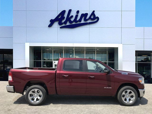 2019 Ram 1500 Crew Cab 4x2,  Pickup #KN535558 - photo 1