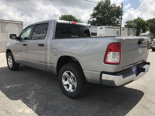 2019 Ram 1500 Crew Cab 4x2,  Pickup #KN590572 - photo 4