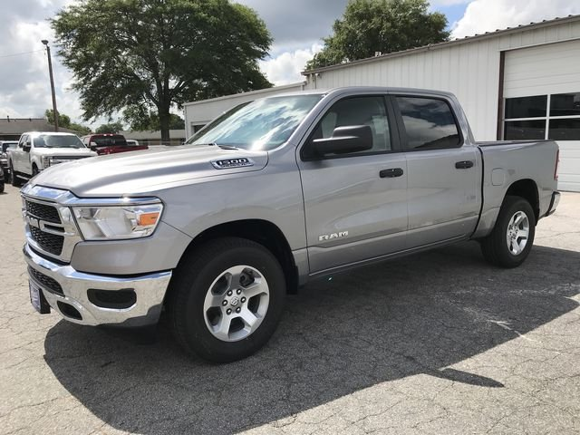 2019 Ram 1500 Crew Cab 4x2,  Pickup #KN590572 - photo 5