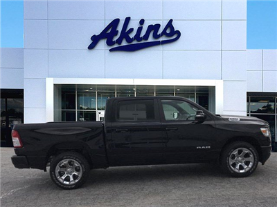 2019 Ram 1500 Crew Cab 4x2,  Pickup #KN609646 - photo 1
