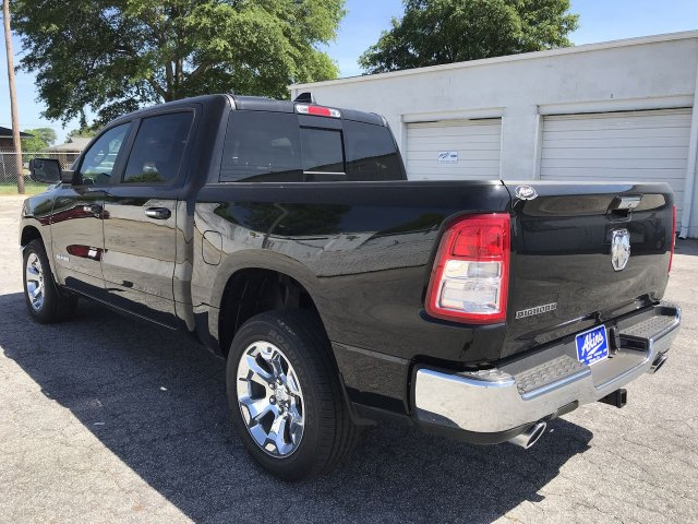 2019 Ram 1500 Crew Cab 4x2,  Pickup #KN6096519 - photo 10